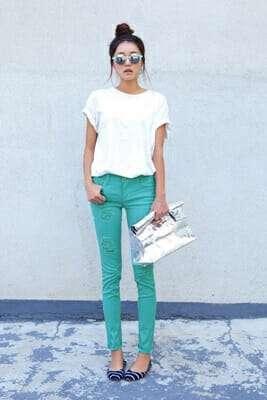 กางเกง ยีน ส์ ขาด ๆ ผู้หญิง