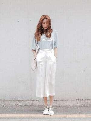 แฟชั่นกางเกงยีนส์ เสื้อยืด
