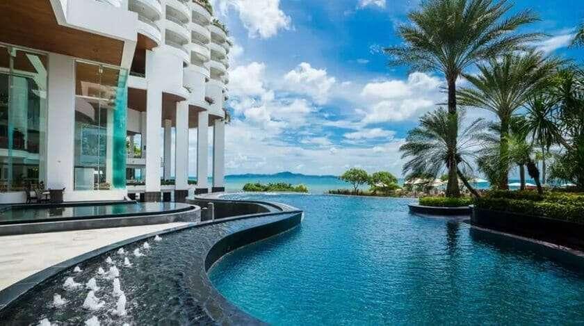 โรงแรมพัทยาติดทะเล 5 ดาว