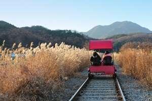 ปั่นจักรยานรถไฟคังชอนเรลไบค์