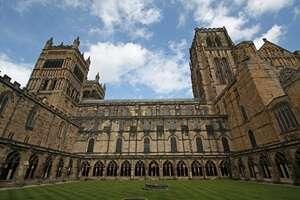 มหาวิหารเดอรัม (Durham Cathedral)