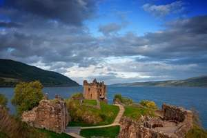Urquhart Castle (ปราสาทอาฟการ์ต)