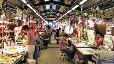 ตลาดค้าหยกฮ่องกง – Hong Kong Jade Market
