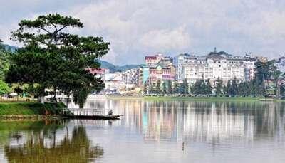 ทะเลสาบซวนเฮือง (Xuan Huong Lake)