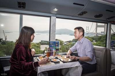 ทัวร์ชมเมือง พร้อมรับประทานอาหารค่ำบนรถคริสตัลบัส (Crystal Bus)