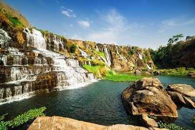 น้ำตกฟงกัว (Pongour Falls)