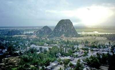 ภูเขาหินอ่อน (MARBLE MOUNTAINS)
