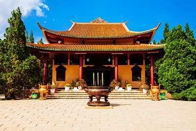 วัดตั๊กลัม (Truc Lam Pagoda)
