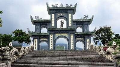 วัดหลินอึ๋ง (Linh Ung Temple)