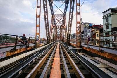 สะพานลองเบียน( Long Bien)