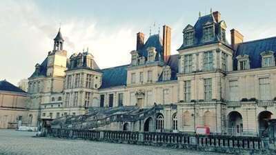 ฟงแตนโบล(Fontainebleau)