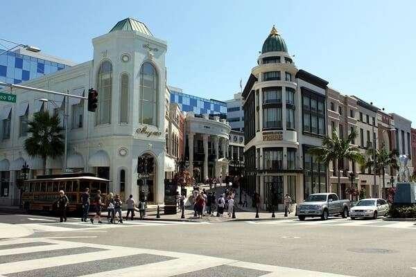ช้อปที่Rodeo Drive ใน Beverly Hills