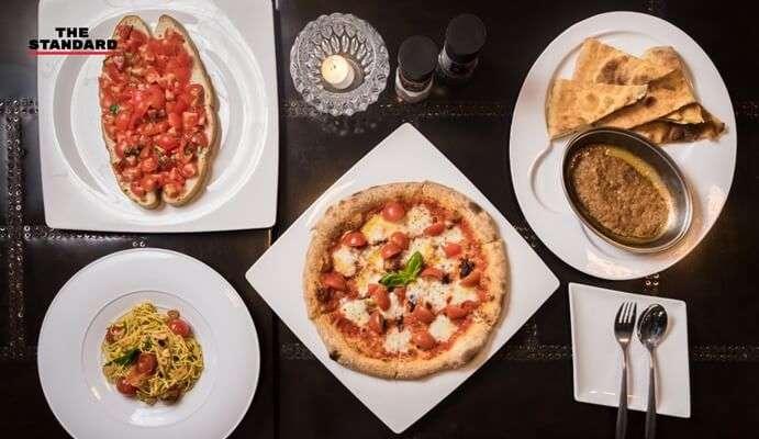 ทานพิซซ่าที่Farine La Pizza