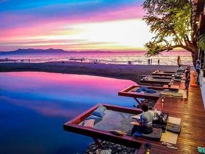 ทานอาหารที่ View Mare Beach Front Bar & Restaurant Pattaya