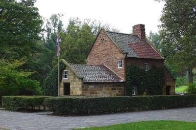 บ้านกัปตันคุ๊ก (Captain Cook's Cottage)