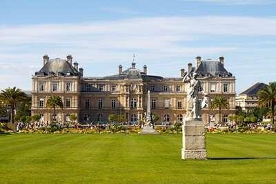 พระราชวังลักเซมเบิร์ก ( Luxembourg palace )