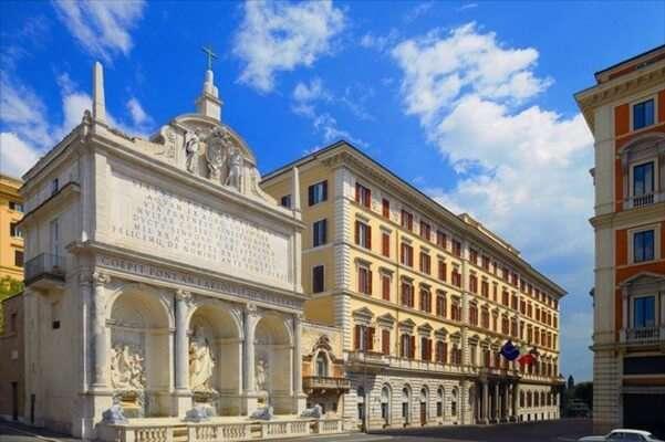พักที่เดอะเซนท์รีจิสโรม (The St Regis Rome)