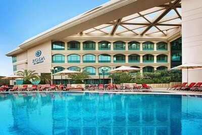 พักที่โรงแรมโรดา อัล บุสตาน
