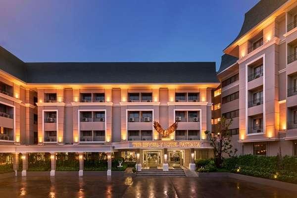 พักที่โฮเทล ดิงกิลเตรา (Hotel D'Inghilterra)