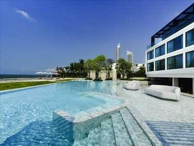 พักที่ Veranda Resort Pattaya (วีรันดา รีสอร์ต พัทยา)
