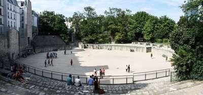 สนามกีฬาแห่งยุคโรมัน (Les Arènes de Lutèce)