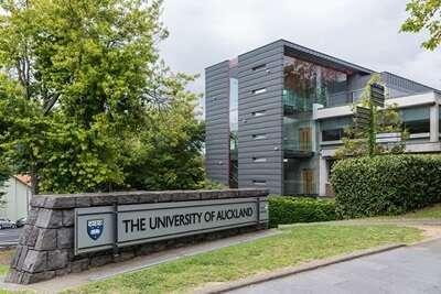 มหาวิทยาลัยโอ๊คแลนด์ ประเทศนิวซีแลนด์