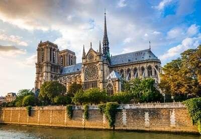 มหาวิหารน็อทร์ ดามปารีส (Cathédrale Notre-Dame de Paris )