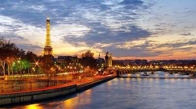 แม่น้ำแซน ( Seine River )