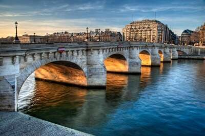 สะพานปงเนิฟ