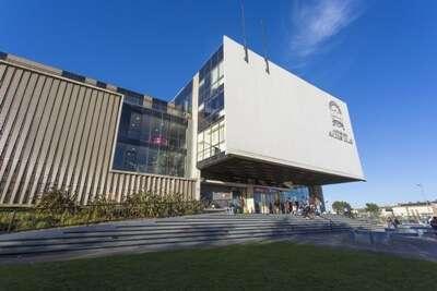 Andrés Bello University (UNAB) ประเทศ Chile
