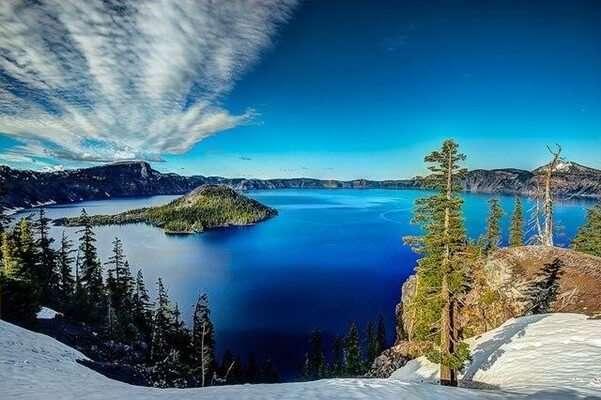 Crater Lake ในรัฐออริกอน สหรัฐอเมริกา