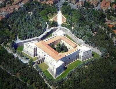 University of L'Aquila ประเทศ Italy
