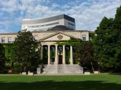 University of Ottawa ประเทศ Canada