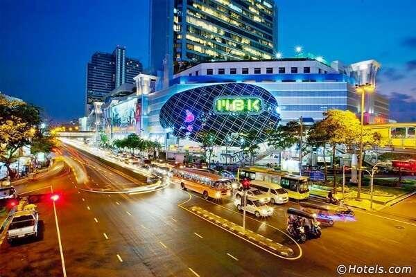 ชมการแข่งขันชกมวยไทย ณ ศูนย์การค้า MBK ช้อปปิ้งเซนเตอร์