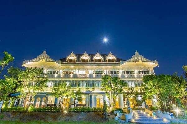 พักที่At Pingnakorn Hotel(แอท พิงค์นคร)