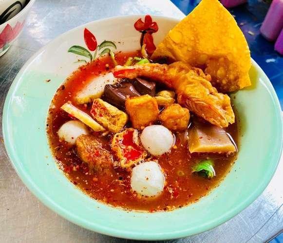 ร้านอาหาร Yentafo ที่ดีที่สุดคืออะไร