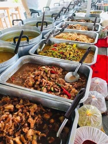 สถานที่ที่ดีที่สุดในการกินพร้อมทำอาหารไทยในกรุงเทพ