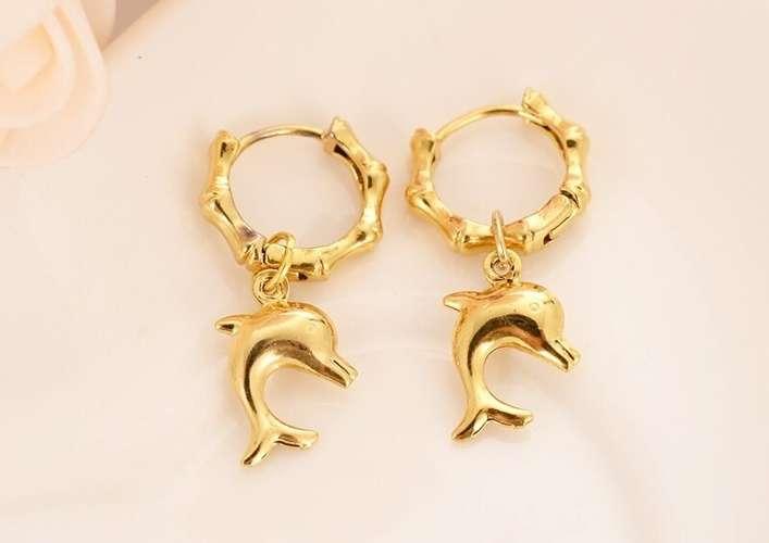 ทำไมต่างหูทองคำถึงทำให้ระคายเคืองหู